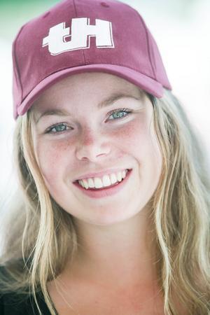 Men skidskytten och skidåkaren Hanna Carlström från Svegs IK lyckades.