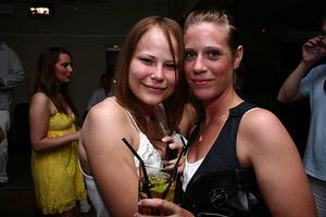 Blue Moon Bar. Johanna och Sara