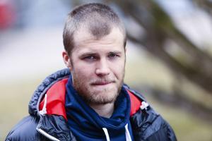 Jocke Svensk var krasslig och hoppade över onsdagens träning men räknar med spel mot Broberg.