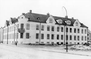 @NA 93-Funktionstext:Norensbergsgatan 16/Villagatan 6. Stilig kåk, eller hur? Skulle man riva i dag eller hade husen fått stå kvar? Det är frågan det. Hörnhuset på bilden stod färdigt omkring 1910. BILD: ULF ANDERSSON