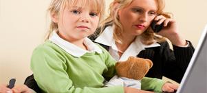 Barn mår, enligt en amerikans studie, inte bra av att ha föräldrar framför datorn.