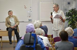 Olle Strand, ordförande för naturistföreningen Nakenkultur, sa att Årsundaborna hade fördomar och tyckte att fördomar inte ska ligga till grund för kommunala beslut.