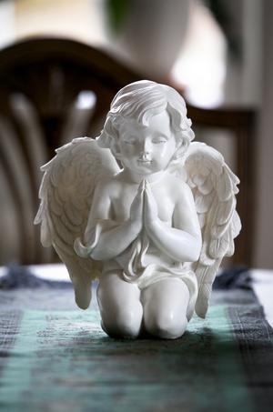 Den här ängeln har Terry fått av en vän vars barn var svårt sjukt.