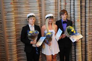 Robin Hellgren, Jessica Berglund och Andreas Sahlén belönades med Outokumpus stipendium.