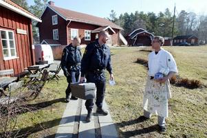 Kjell Strömberg börjar bli van att få besök av polisen. Nattens inbrott var det fjärde på Stocketitt i år.