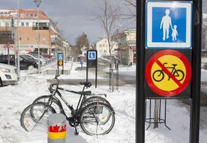 På Västra Tullgatan kan det bli fritt fram för cyklister, även mellan Bryggeriet och Guldsmeden.