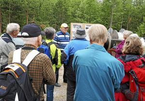 SPF i Leksand har besök Älgberget där man guidades av Sven Olle Axelsson.