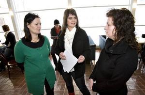 Anna-Karin Eklund, till vänster, mötte de blivande sjuksystrarna Anna-Carin Jonsson och Annika Ekström.