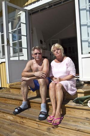 första gången. Birger och Yvonne Hedström har bott på Tegelmästar vägen i Hemlingby i 30 år och aldrig haft inbrott, däremot har båda grannarna drabbats. Men på tisdagen slog tjuvarna till trots att Birger befann sig i huset.