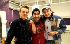 Erik, Zakib och Jens har blivit vänner under Idol. Jag och Jens har pratat om att göra en duett ihop, även om det inte var så allvarligt. Men det skulle va kul, säger Erik.  Foto: Cecilia Burman