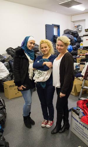 Alaa Kouli, Afraa Almokhtar och Anna Idell har blivit goda vänner.