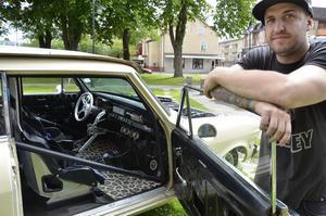 Niklas Lindh visade upp sin dragracingbil i Flugparken.