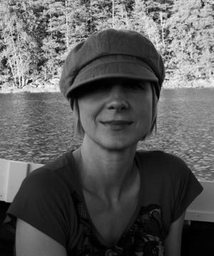 Sandvikensyster. Lena Sjöberg är en av flera kända svenska  bilderbokskonstnärer som valts ut för att ge våra klassiska folksagor ny dräkt.