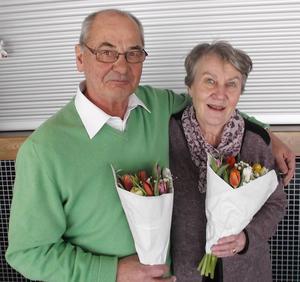 Ove Fahlén som varit vice ordförande och Brita Brännström som varit gillesvärd för Kramfors avgick vid årsmötet och avtackades med blommor.