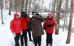 Naturskyddsföreningens Säterkrets kikar efter strömstarar vid Ljusterån. Karin Magnusson, Karin Stigsdotter, ordförande Lena Stigsdotter, Anders Skarin, Staffan Jansson och Nina Johansson var några som var med.