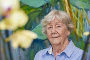 Karin Näslund, som fyller 85 år på tisdagen, har börjat fundera en del kring framtiden och vad som ska hända om hon blir helt ensam. Men än så länge lever hon och särbon Folke ett aktivt liv.