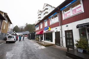 Fäviken utökar i Åre. Korvkiosken byter plats och flyttar in i restaurang Arnes gamla lokaler tillsammans med cocktailbar och pop up-krogen Svartklubben.