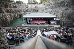 I augusti arrangeras operafestival i Dalhalla - i år med ny producent och ny konstnärlig ledare.