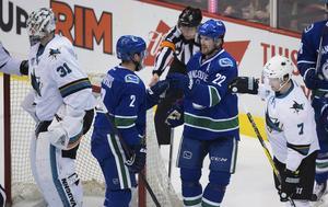 Vancouvers Daniel Sedin gjorde sitt 350:e mål i NHL, men var besviken efter förlusten mot San Jose.