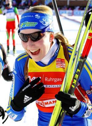 Helena Jonsson var överlycklig när det stod klart att hon vunnit totala världscupen.