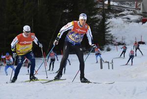 Calle Halfvarsson, Sågmyra SK tillsammans med vallaren Richard Andreasson, testar tävlingsbanan.