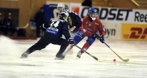 Mattias Hammarström gjorde tre mål när Edsbyn körde över Mikkeli med 9–1 i Champions cup-starten.
