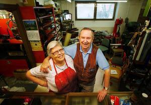 För 25 år sedan började Vincents fru Ingegärd i skomakeriet. Efter det har makarna jobbat tillsammans varje dag.