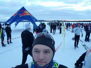 Fabian Hästbacka strax innan starten klockan 6 på morgonen.