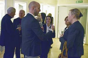 Stefan Andersson från Confido partner tillsammans med Marita Forsell, Region Gävleborg, Lena Ilic Mattsson, vd på HNA samt Anna Berninge Linde, Region Gävleborg.