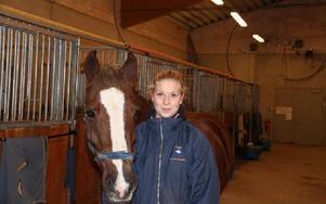 Malin Nyberg med ponnyn Salomon. Foto: Olof Aspelin