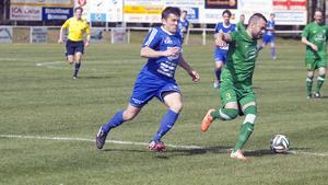 Johan Adamsson svarade för två mål när Fagersta Södra besegrade Bosnisk SK med 4–1.