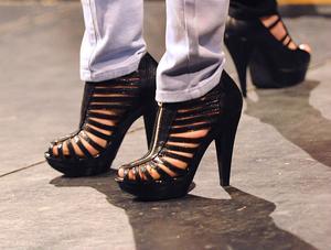 Modellerna letade fram sina snyggaste skor och använde dem i showen – men alla kläder kom från butikerna som deltog i visningen.
