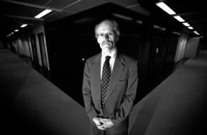 oroad. Riksbankschefen Stefan Ingves är oroad över de svenska hushållens skulder.Arkivfoto: Fredrik Persson/Scanpix