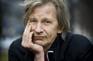 Artisten och författaren Stefan Sundström.