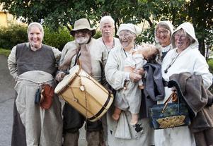 Teatergruppen Slödder och skarn stod för underhållningen under fredagskvällen.