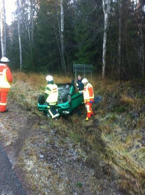 Bilen hamnade på taket vid olyckan i Bergsbo