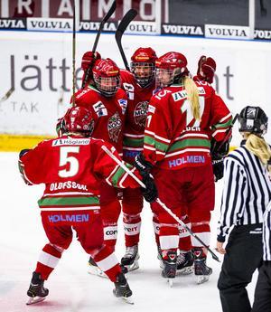 Modo Hockey har nått finalspelet i European Women Champions Cup. Modo vann alla tre matcher i den andra gruppspelsomgången.Foto: LEIF WIKBERG/ARKIV