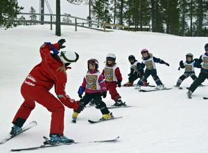 PREMIÄRTURER. Många barn tar sina första svängar i Sälen i vinter.