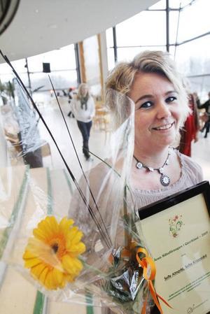 """ÅRETS HÄLSO- FÖRETAGARE. Sofie Almkvist som driver Sofies Kroppsvård i Ockelbo blev riktigt glad för priset. """"Det var toppen bara att vara nominerad"""", sa hon."""