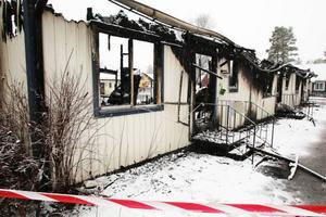 Huset totalförstördes i branden som hade ett mycket snabbt förlopp.