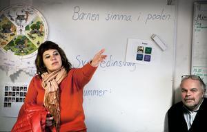 Barn- och skolnämndens ordförande Åsa Sjödén (S) besökte Junsele skola på tisdagen.