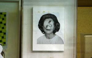 Snurrigt. Silvias ansiktsuttryck ändras med ett urverk.