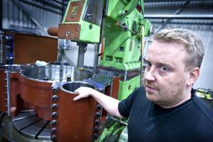 Stefan Bergh äger numera företaget men pappa Rolf fortsätter jobba trots att han är pensionär.