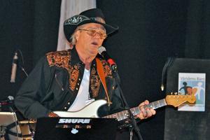 Långshyttebördige Bonny Lindqvist som kallar sig för The Countryman var en av artisterna som uppträdde.