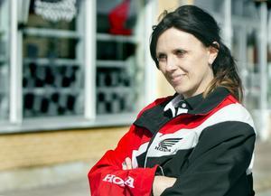 Inte orolig. Sonja Winnergren ska snart köra upp för mc-kort och har gått kurser om riskerna.