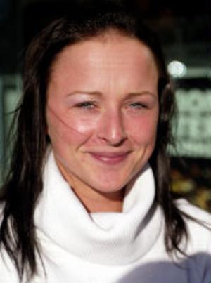 Anna Engström, 23 år, jobbar på Entré Sundsvall, Matfors–Nej. Jag är inte orolig. Än så länge är fågelinfluensan långt ifrån Sverige. Det tar tid för den att utvecklas. Innan dess har de hittat något botemedel..