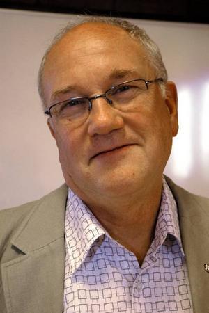 Lars Svensk, Kristdemokraterna:– Kommunikationer. Både på väg och tråd. – Vi vill ha typ en