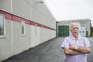 Enligt SCB hade bara 4% av Sveriges yrkesarbetande befolkning varit kvar på samma arbetsplats i 25 år eller mer år 2012. Leif Lindqvist har jobbat 45 år på samma arbetsplats.