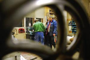 En gång i veckan träffas gruppen i verkstaden på Norrsidegård, den fastighet som John Ericsson vistades en del i under sin tid i Jämtland.