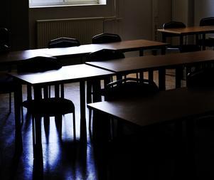 Eleven har i anmälan till Skolinspektionen berättat om mobbning, kränkning och att en lärare ska ha utdelat slag mot eleven.